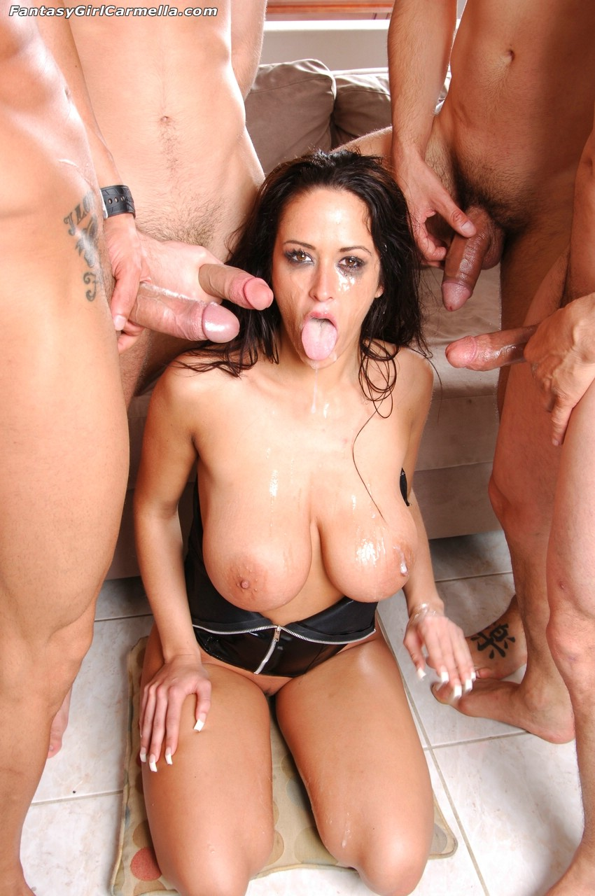 Belle Bond Sucking Big Cock And Deep Throating